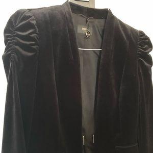 Brand new puffer sleeved velvet black blazer
